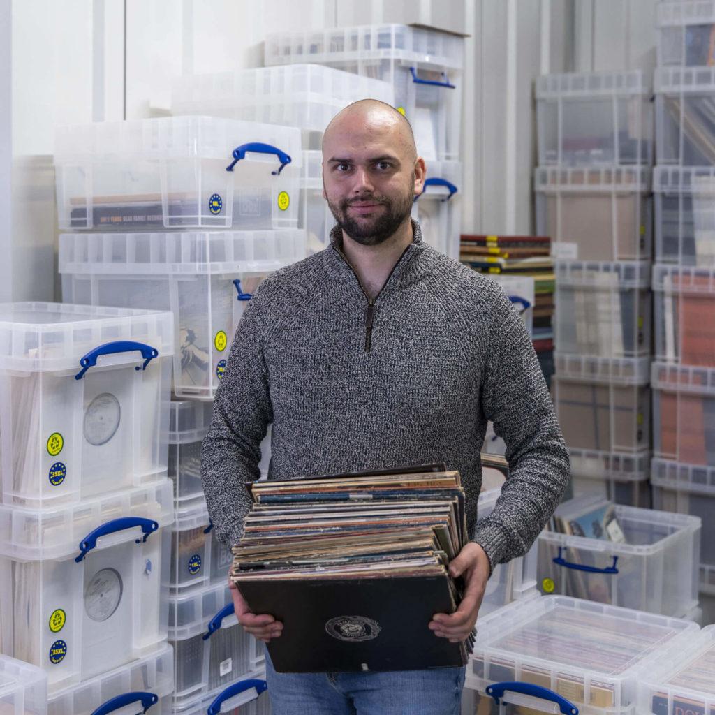 Selrecs - Tom Warrelmann im Schallplattenlager